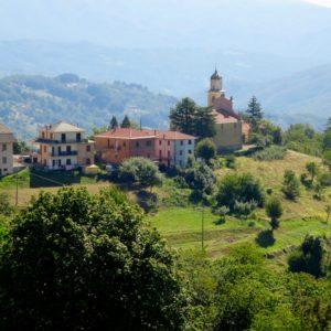 V4a Monte Zatta, village de Cassego (© Thierry Labour)