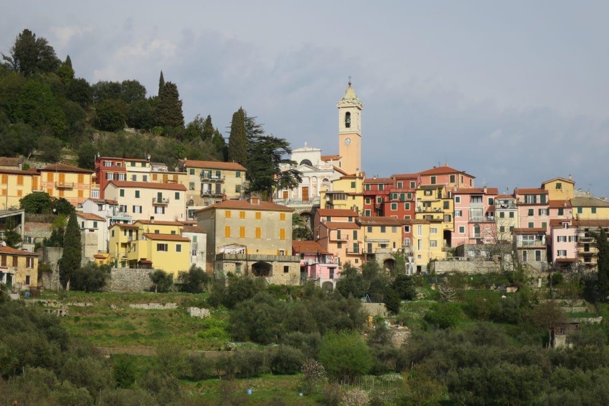 V2 Carro, village de Castiglione Chiavarese (© Thierry Labour)