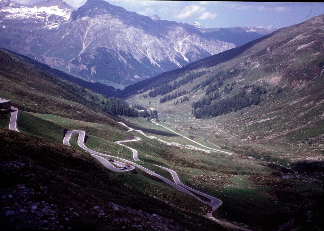 Challenge des cols routiers situés sur les « Lignes de partage des eaux inter-mer des Alpes »